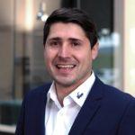 Samuel_Rasch,_Teamleiter_Produktmanagement,_ist_von_den_Arretierbolzen_überzeugt