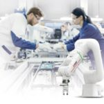 Kollaborative_Roboter_können_die_Werker_an_den_Montagearbeitsplätzen_entlasten