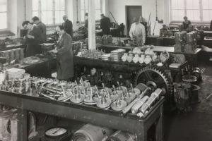 ZAE-AntriebsSysteme Getriebe Zahnräder Getriebemotoren