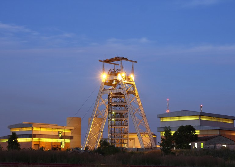 A_gold_mine_head_gear,_Johannesburg_South_Africa