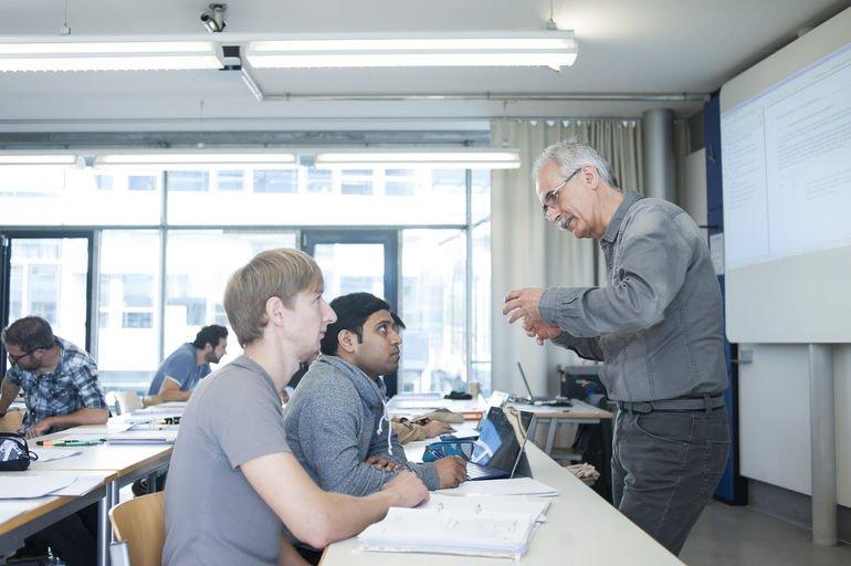 Cadfem Simulation Based Engineering Master-Studium Simulation