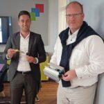 Thomas_Brüse_(rechts),_Geschäftsführer_von_Quick_Move,_und_Kai_Schmitz,_technischer_Verkaufsberater_bei_Igus