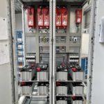 Komplette Schaltschranklösung mit Energiemanagement-Geräten von Michael Koch