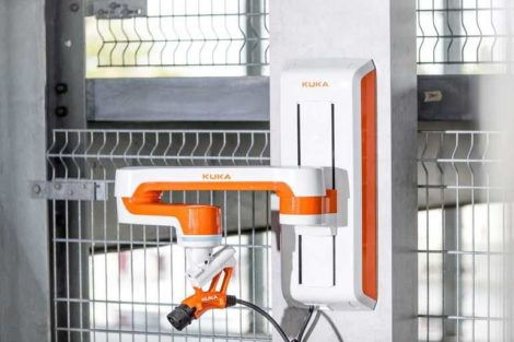 Kuka-_Ladeassistent-Carla_Connect-E-Mobility.jpg
