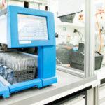 In_Medizintechnikprodukten_muss_die_Pumpe_viele_Betriebsstunden_ohne_nachlassende_Leistung_überstehen,_vor_diesem_Hintergrund_ist_der_Motor_auszuwählen