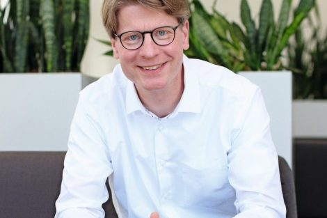 Dr._Frank_Possel-Dölken,_CDO,_Phoenix_Contact
