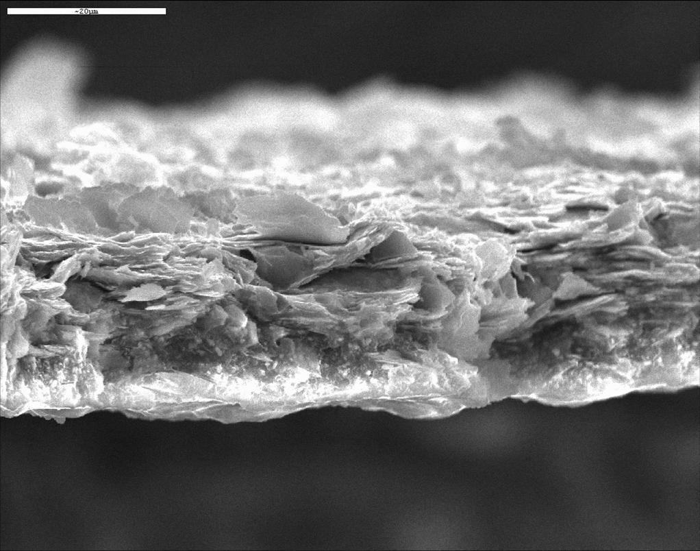 lamellenartige Struktur einer Zinklamellenbeschichtung von 20 μm