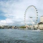 Beim_Betrieb_des_Riesenrads_London_Eye_gleichen_Gleitlager_die_vom_Wind_verursachten_Mikrobewegungen_aus