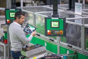 schneider electric smart manufacturing betriebliche Intelligenz