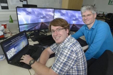 Universität_des_Saarlandes:_Die_Informatiker_Prof._Dr._Jens_Dittrich__(rechts)_und_sein_Doktorand_Christian_Schön_beschäftigen_sich_mit_dem_Thema_Blitze.